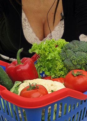cleavage-and-veg_2_1160717a