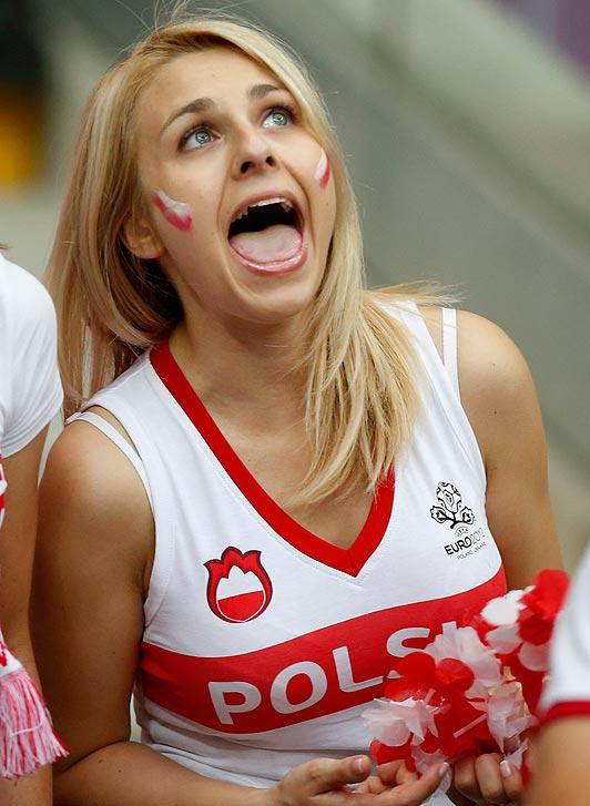 Polish-fans-4_1538379a