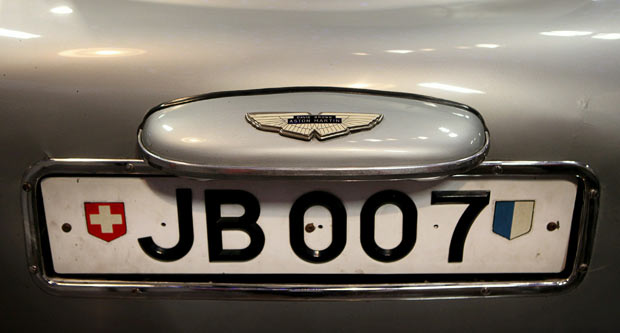 bond-number-plate_1748167i