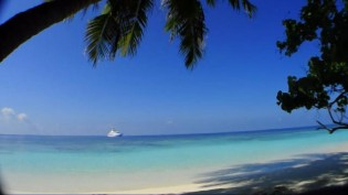 mid-Maldives_beach.ogv