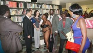 Zanu-Woman-Strips