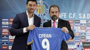 Ciprian+Marica+evita+poner+su+apellido+en+camiseta+para+prevenir+burlas