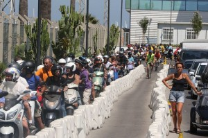 ONE-USE-Spanish-Gibraltar-border-clampdown-causes-chaos-in-sweltering-heat-2100535