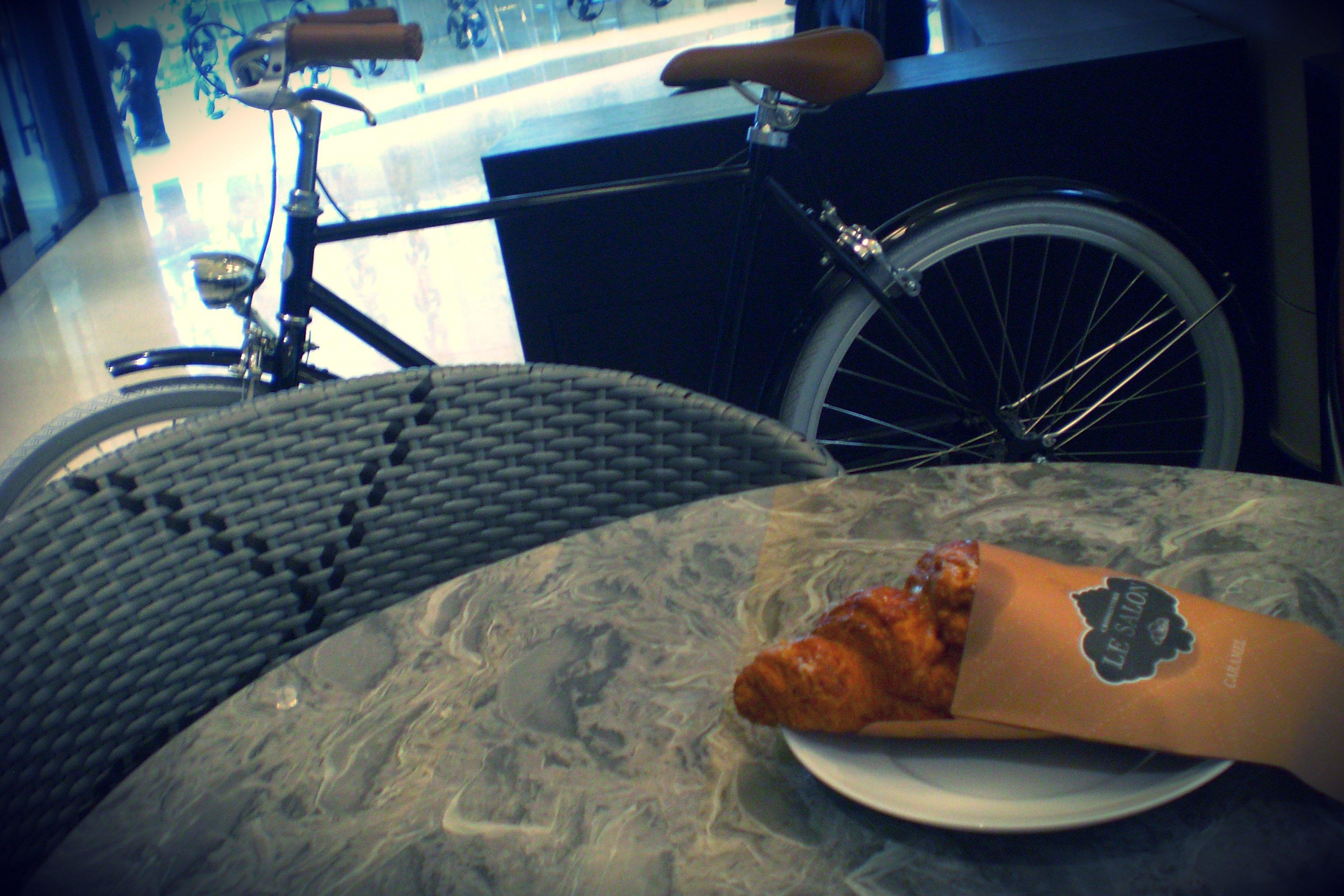 bike-croissant