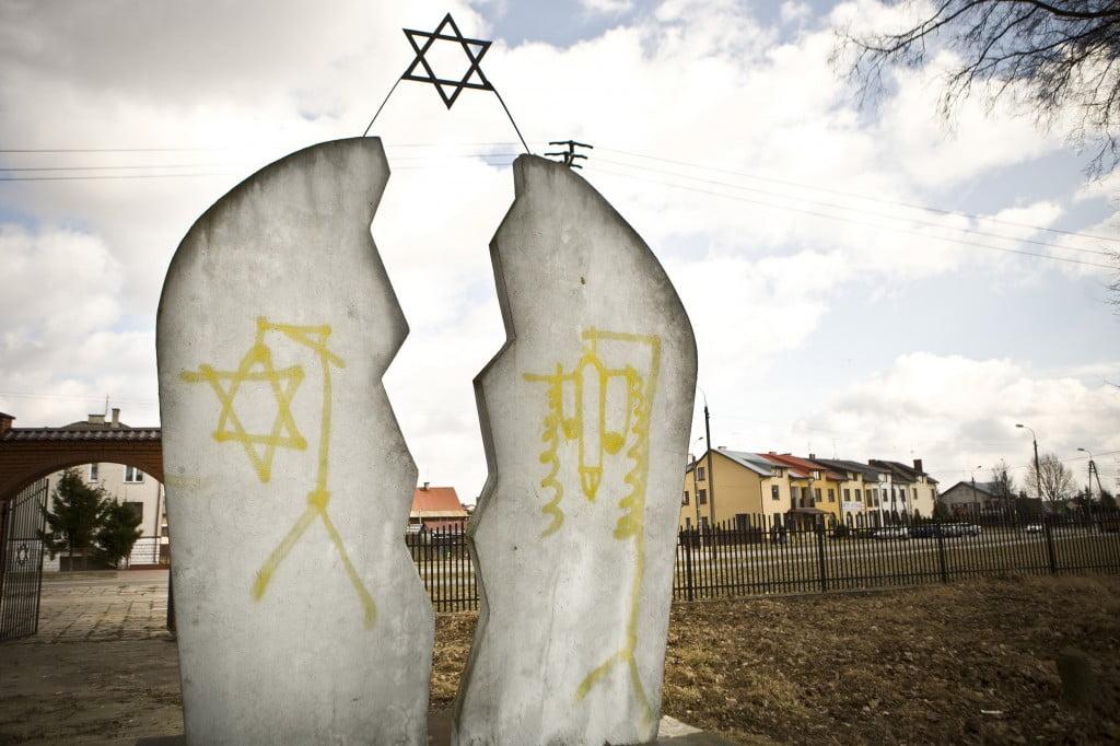 Poland-Anti-Semitism_Horo