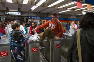 metro-df-manifestacion-131213_notimex
