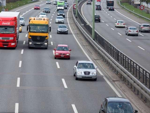 Der-Verkehr-auf-der-A1-fliesst-wieder-Symbolbild-