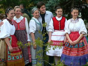 Hungarian-Traditional-Costumes-Anikó
