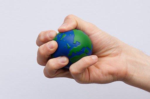 512px-Earth_globe_stress_ball