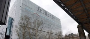 la-facade-du-quotidien-le-monde-le-7-mars-2013-a-paris_4893803