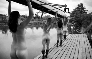 Nude-rowers-calend_2023480a