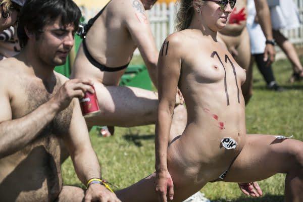 nøgenløb roskilde festival 2014 12