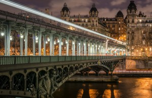 Pont_de_Bir-Hakeim_and_view_on_the_16th_Arrondissement_of_Paris_140124_1 (1)