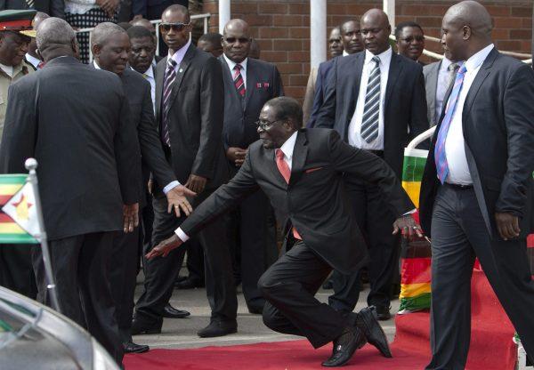 津巴布韋月底大選 選民驚現141歲人瑞?