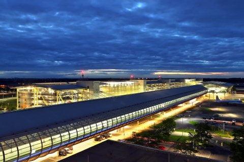 29865048,31719943,highRes,maxh,480,maxw,480,Flughafen_Leipzig_Ha_346857