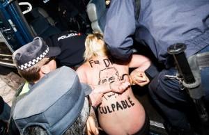 activista-femen-espalda