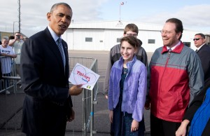 South Dakota, 2015. Showing off the note given to him in Watertown by Rebecca Kelley, who had written him a letter asking him to visit the state. (Official White House Photo by Pete Souza)