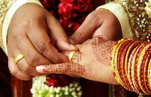 27-1440663604-wedding-selfie