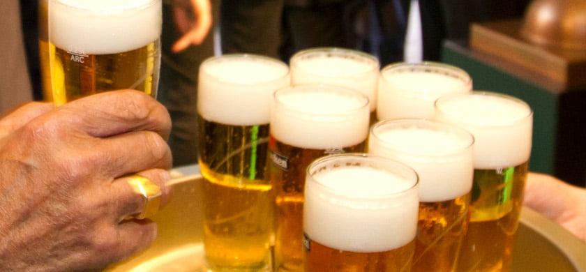 20120419 Amsterdam: In het Tuschinski theater in Amsterdam gaat de film 'The magic of Heineken' in premiere. ANP JEROEN JUMELET