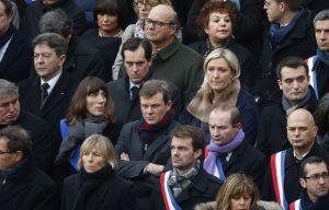 648x415_jean-luc-melenchon-marine-pen-lors-hommage-national-27-novembre-2015