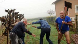 des-militants-lpo-et-des-journalistes-agresses-coups-de-pelles
