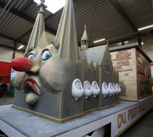 Motivwagen für Kölner Rosenmontagszug