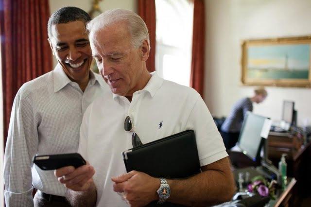 obama-biden-iphone-640x0