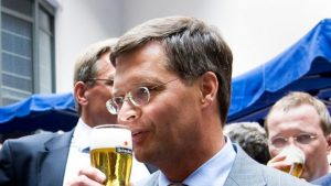 Balkenende-bier-ANP_0