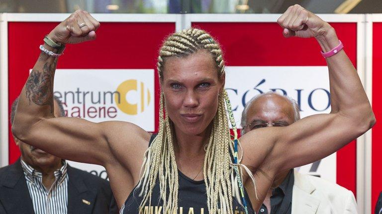 mikaela-lauren-female-boxing-wbc-super-welterweight_3451957