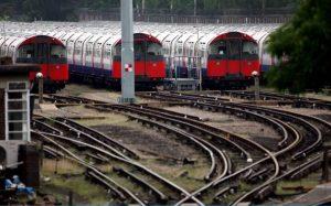1631677_News_trains_LONDON_ENGLAND_-_JUNE-large_trans++bFoXn4d1uVNGRa1pDHVYNGc8GutxG_I6Mbs37mswgEY
