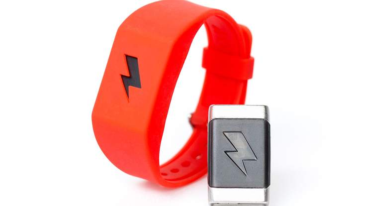 pavlok-band-and-module-red-300-300-1-736x414