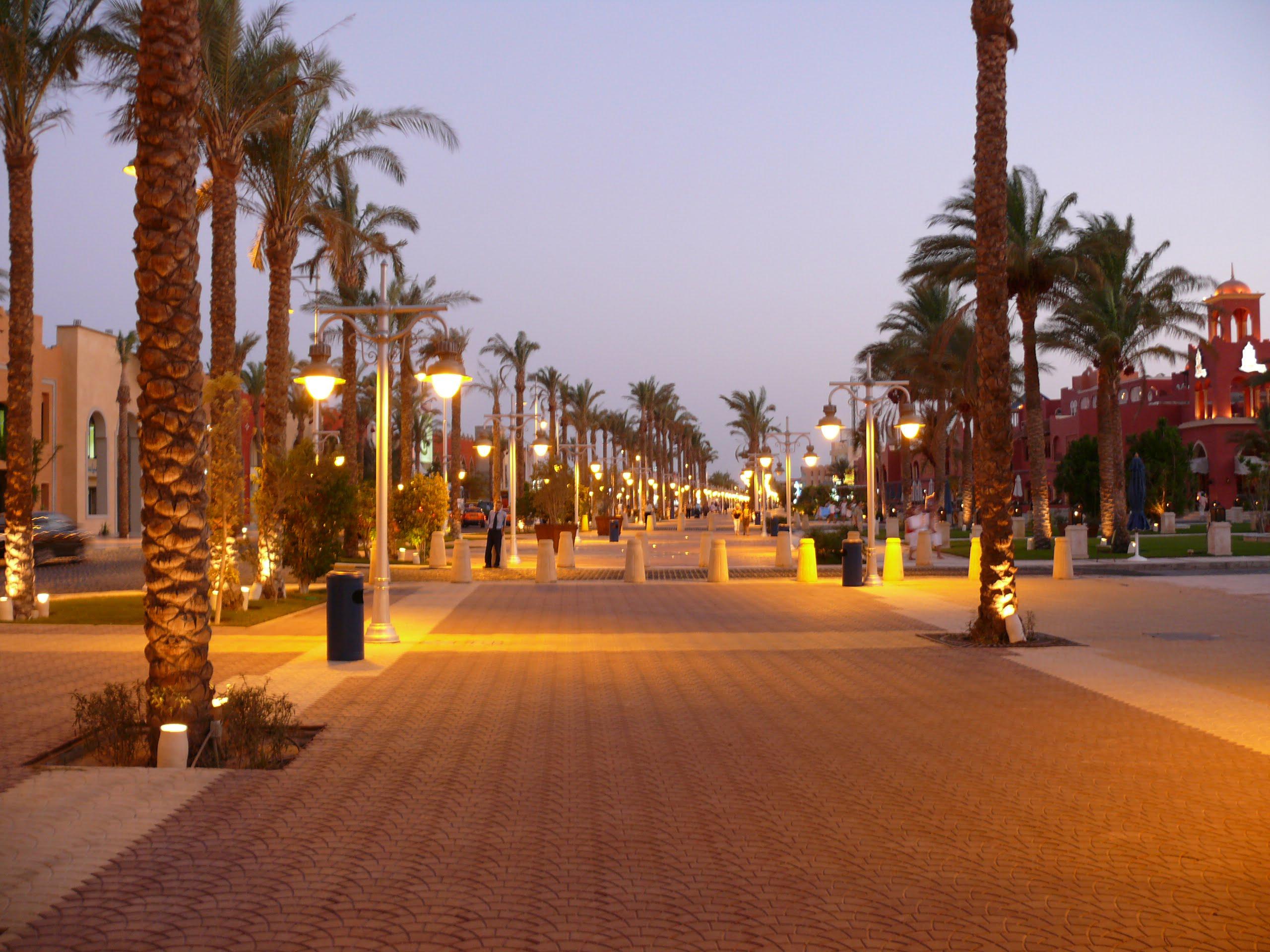 Alig_walk_way_hurghada_egypt_629