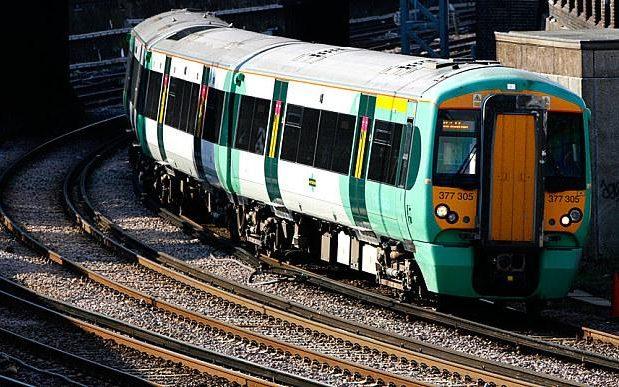 負皮英國鐵公司 竟然獲得最佳飛躍大獎