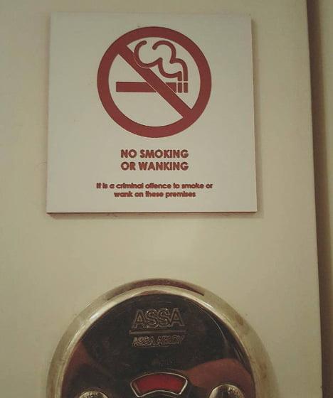 1478262960_smoking