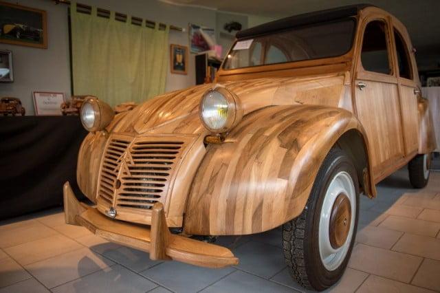 法退休人士做出全木外殼雪鐵龍經典車