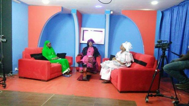 塞內加電視應該播可蘭經 但變愛情動作片?