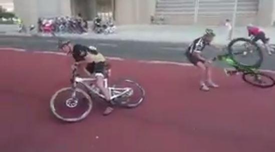 南非城市突然颶風 人都飄起 單車賽被迫暫停