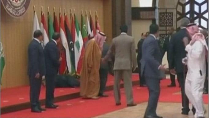 黎巴嫩總統係約旦開會仆街