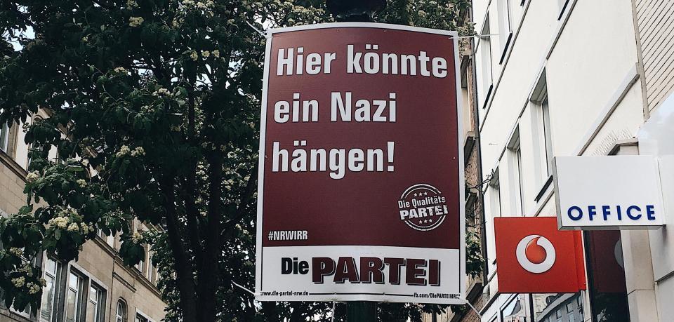 德惡搞政黨口號出現納粹口號惹爭議
