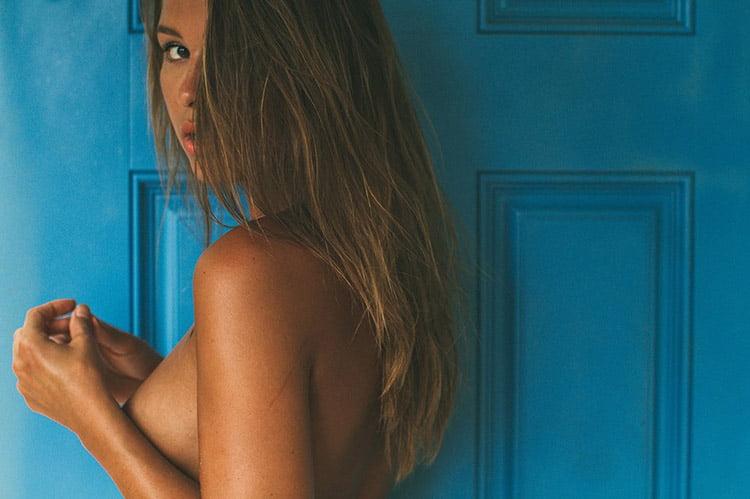 比利時名廚請來裸體名model 玩人體盛