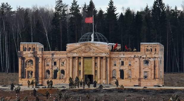 戰鬥民族主題公園 war game 德國國會大樓模型印外交風波