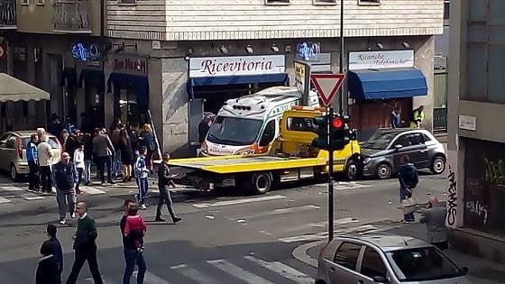 義城市發生救護車同拖車相撞 案情離奇