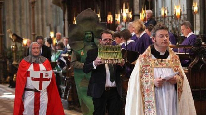 英大教堂祝聖蘆筍 宗教界大肆撻伐