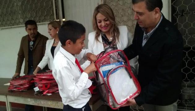 墨西哥學校槍擊案後 教育局派透明書包惹爭議
