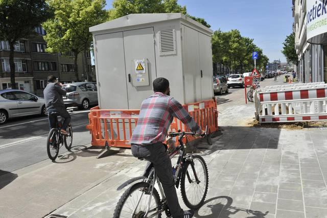 比利時有幾fail: 變電站放係單車徑中間