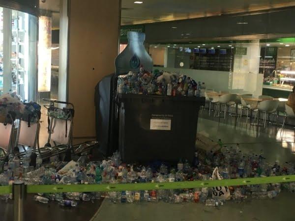 班離島度假勝地 機場罷工 垃圾滿地