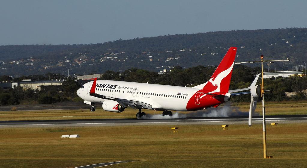 澳洲航空收到第三方建議「多元」員工守則 爸爸媽媽都唔叫得?