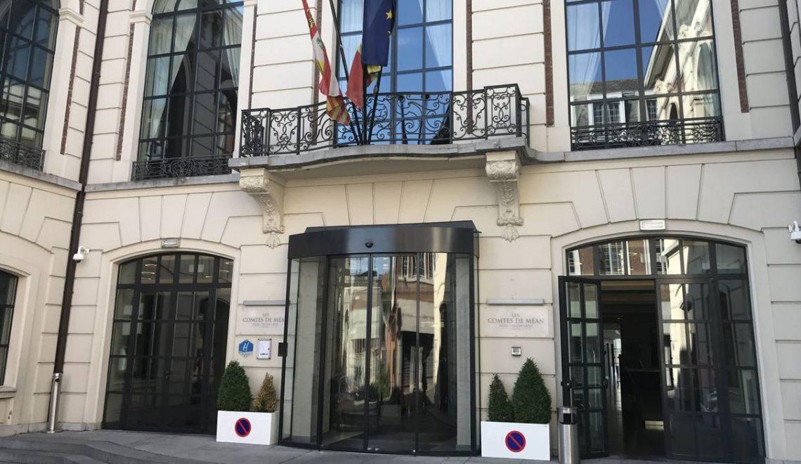 比利時法語區酒店 乾脆擺自己上去 airbnb?