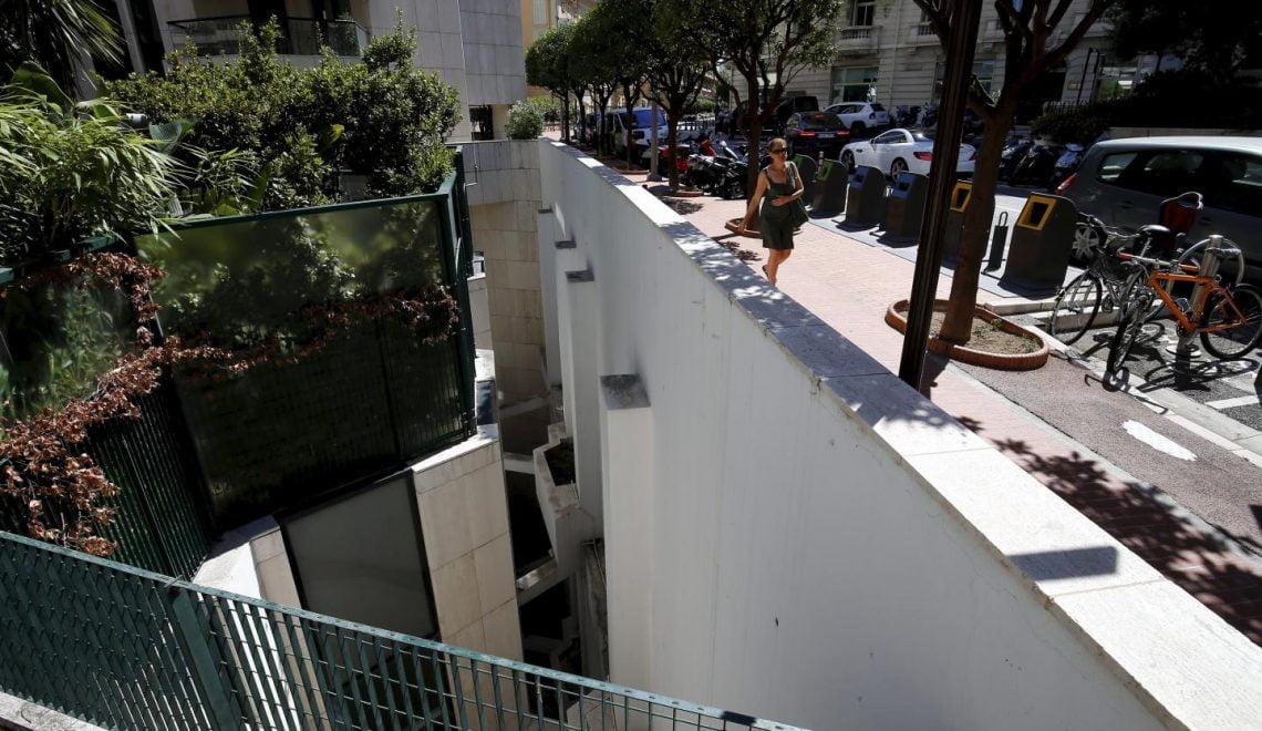 澳洲遊客隨街小解 墮下摩納哥天井死亡