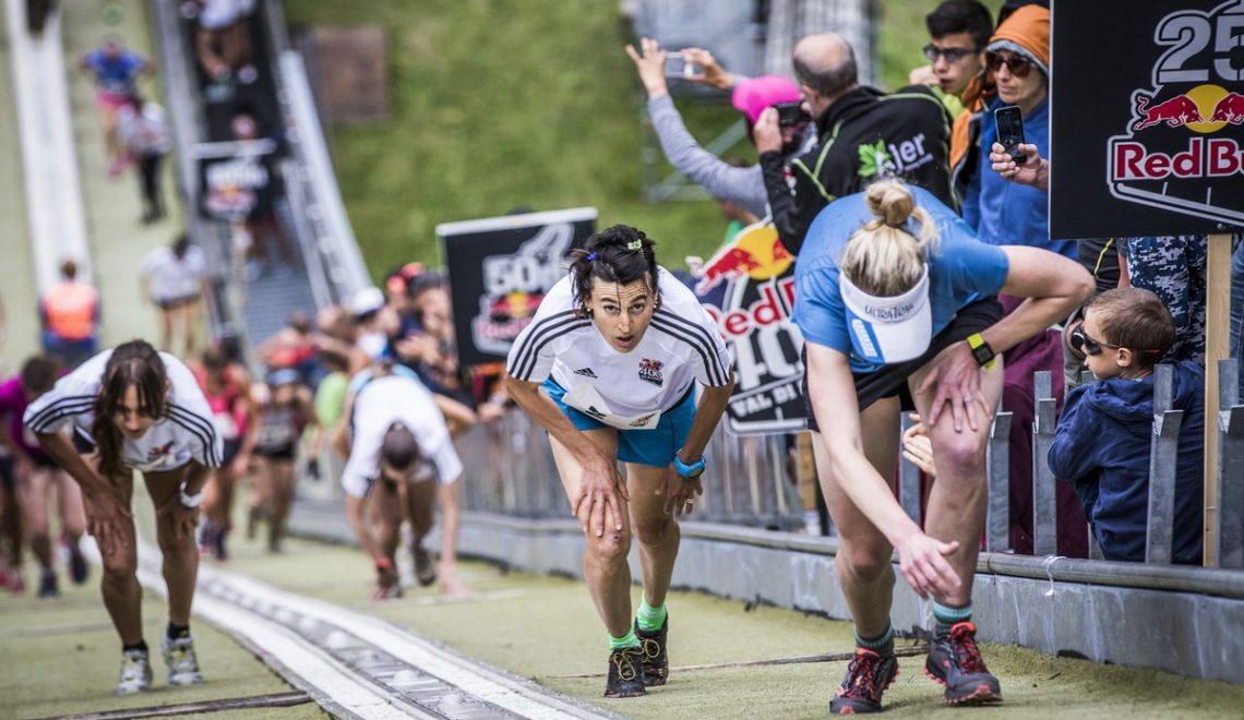 德國黑森林區舉行最艱鉅賽跑 要邊跑邊爬山